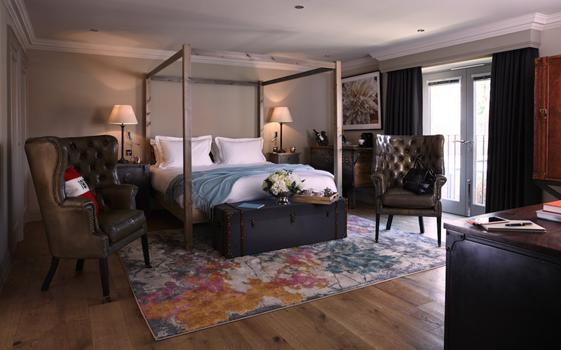 Biggest room with breakfast (one-night stay, weekdays only)